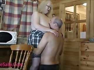 Lucky guy enjoys Mature Sally
