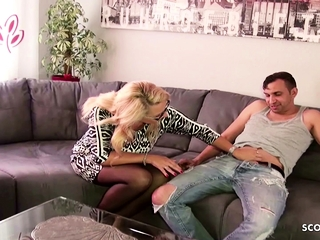Lonely German wifey chat the youthfull Neighbour to hotwifey hook-up