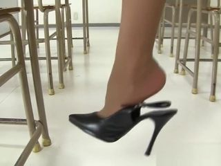 Youthfull chinese instructor in mini-skirt! Upskirt g-string showing in the classroom !
