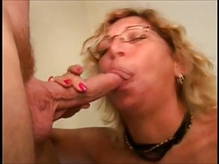 Mature mother with glasses deep throating beef whistle and swallow jizz
