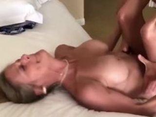 Buxom inexperienced girl buxom girl cuckoling hotwife