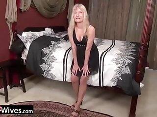USAWives crazy senior ash-blonde grandmother Cindy unclothing