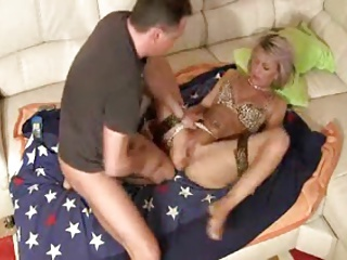 Mature lady fisted - WOW