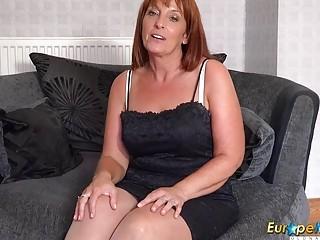 EuropeMature super-fucking-hot Mature dame Solo Striptease