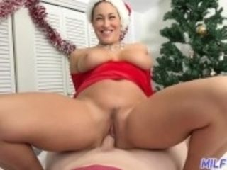 """""""cougar journey - dark-haired cougar with fat culo and hooters creampied - Part 1"""""""