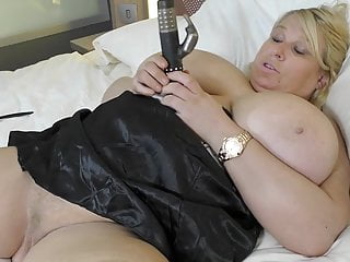 Mature yam-sized jugged mother Sally Sanders fapping