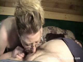 This amateur slut is completely obsessed with her hubby's schlong