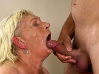 Senior dame gets frigged and porked