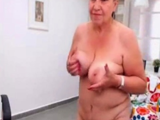 Unexperienced turkish grandmother dancing naked on web web cam