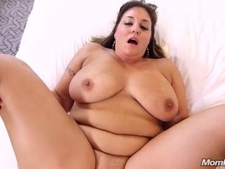 Violet big donk housewife with big baps