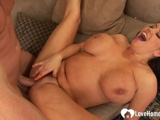 Chesty hooters housewife luvs to get boinked ruthlessly