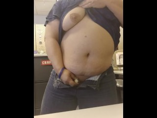 Insatiable at work! Fapping with vibro in office cube with people near