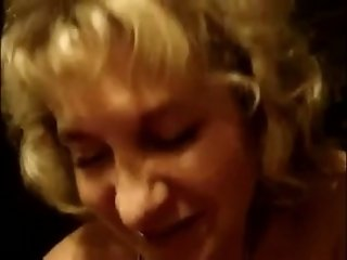 Mature blonde sucks my wang and takes it in her trimmed pussy