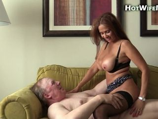 Jizm hungry cougar nails obese older fellow on the bed
