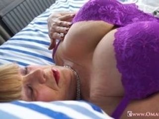 Warm blondie grandmothers jacks her monstrous twat Find utter length movies on our network Oldnanny.com