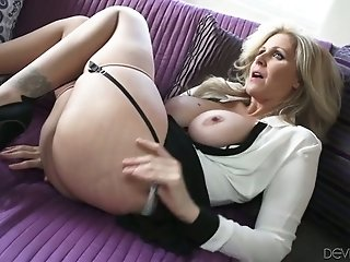 Gorgeous MILF with juicy jugs gives head and then she gets fucked missionary style