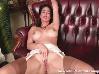 Brown Milf masturbates nearby vnearbytage lnearbygerie seamed nylons plus stilettos