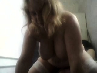 Plus-size plays with her ample tits