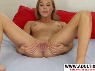 Fortunate Kate Linn displays vagina