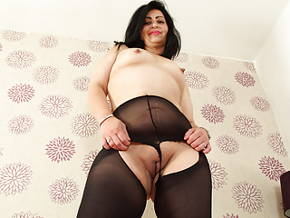 To one's face milf CandyLips mien hot close by raven Canada rubbish US breeks
