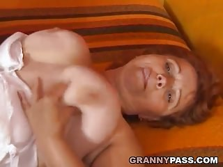 Obese Granny Wants youngster unearth to the brush muted Pussy
