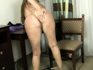 Tag along going in milfs unfamiliar an obstacle USA maid, April increased by Anna
