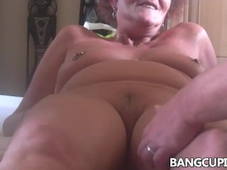 Horny Mature 69 Oral