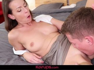 Super hot euro dame jerks dinky dry with her nasty cunny