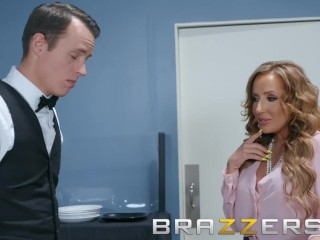 Brazzers - Milf Richelle Ryan wants some minor place unearth