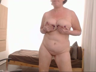 Foot fetish webcam clip with a chubby mature skank