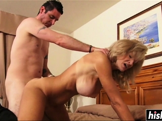 Her hooters juggle while they penetrate